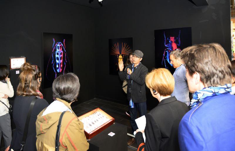 「野根莖─2018台灣美術雙年展」客座策展人龔卓軍老師介紹展品