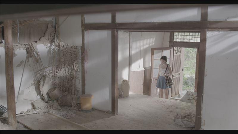 米索與小襄的神秘感應,以及複雜的人物交錯關係,在影片中文字的輔助下,輕鬆展開平行又交錯的影像作為提示,