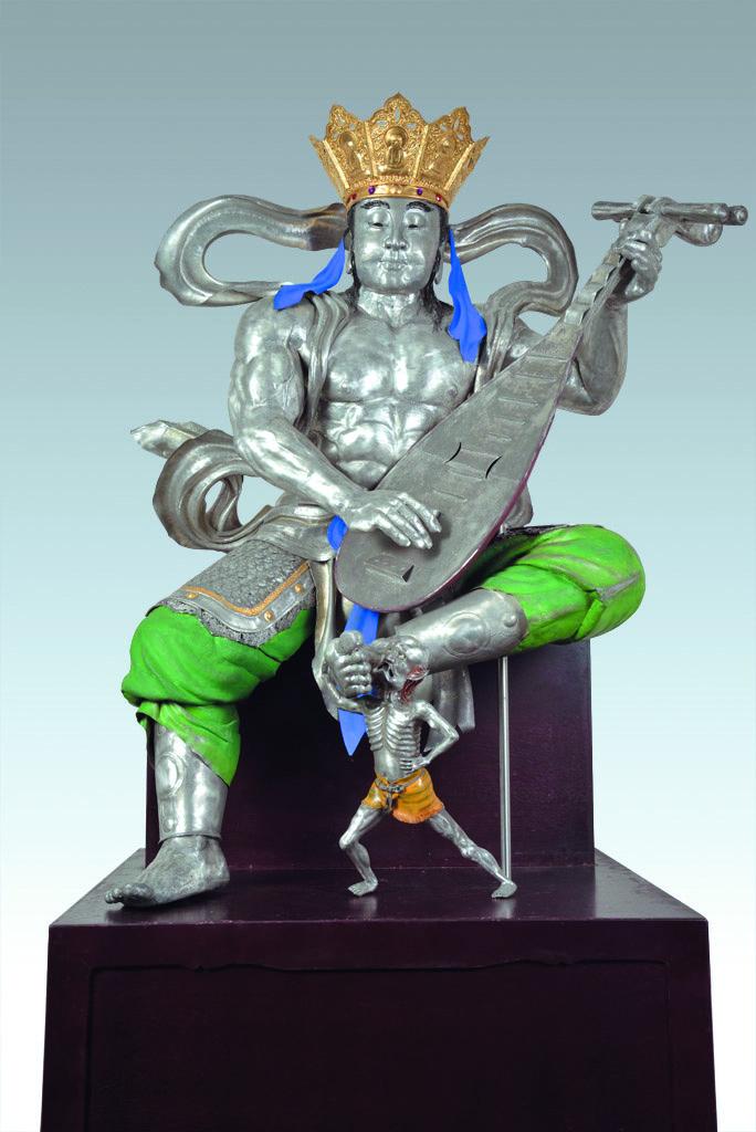 由陳萬能與陳志揚父子共同創作完成的作品「四大天王」,圖是「東方持國天王:調」。