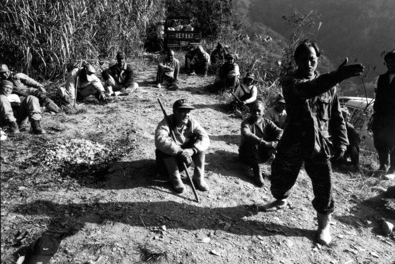 2-5_報戰功是必然的儀式,是傳統、是驕傲、是反省、是尊重自然。金成財《寂靜的槍聲》系列作品。