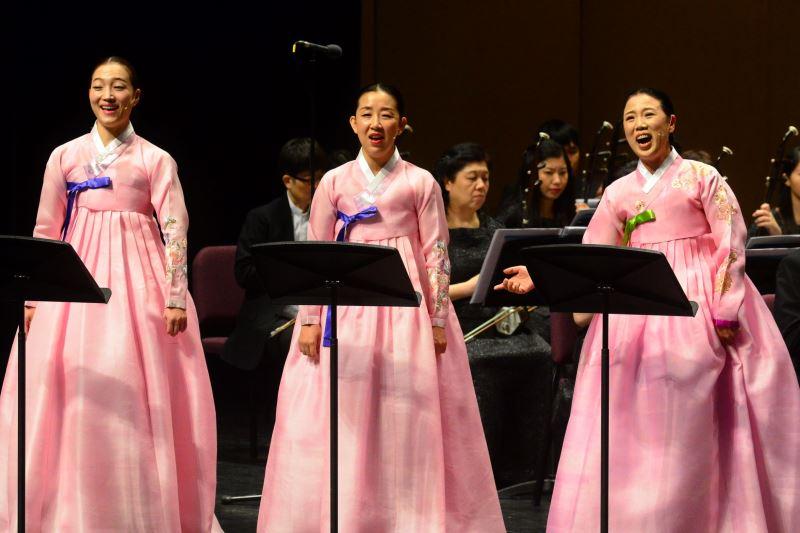記者會現場照片3:韓國國立國樂院民謠演唱家表演多種版本的「阿里郎」。