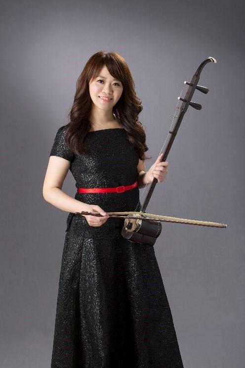 弦樂首席王均寧,溫潤弦情,精準詮釋《四月雨》二胡小提琴幻想曲。