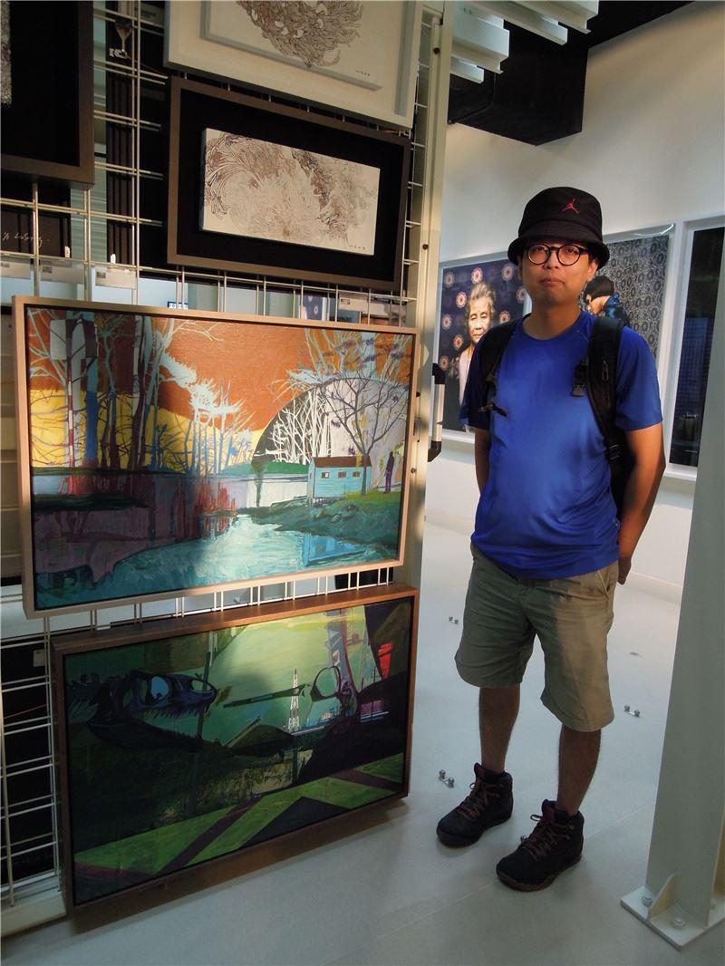 璞玉發光104年大專社會組得獎者林先生巧遇自己獲藝術銀行典藏之作品!