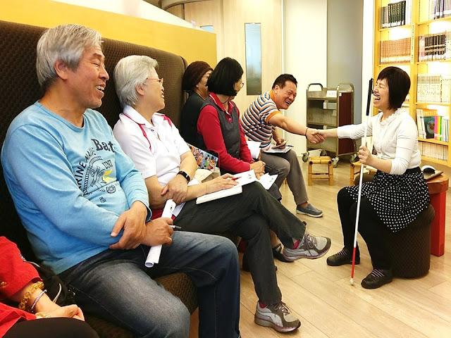 徐薇雅女士面對面與現場讀者分享人生故事