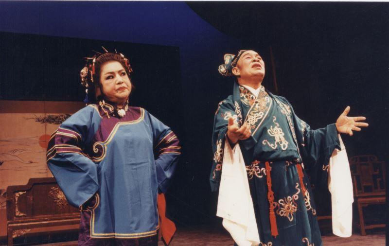 《婆媳風雲》中,黃鳳珍根據客家俗語為劇中腳色刁氏設計許多有趣的台詞,讓觀眾對他又愛又恨。