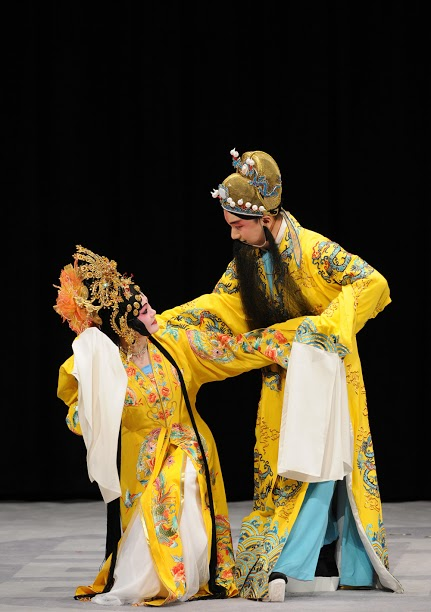 "A scene from "" New Melody from National Palace Museum---The Palace of Eternal Life""(2009). (Wang Zhi-ping as Consort Yang and Wen Yu-hang as Emperor Tang Ming-huang)"