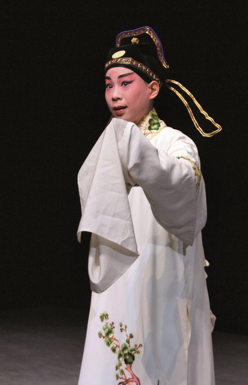 楊汗如於〈拾叫〉中的小生扮相。