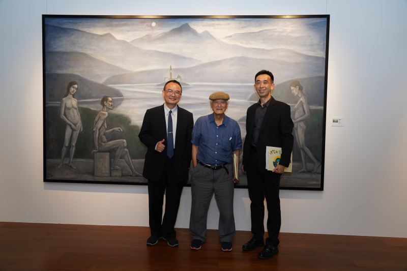 左起:文化部蕭宗煌政務次長、陳景容教授與國父紀念館王蘭生館長合影