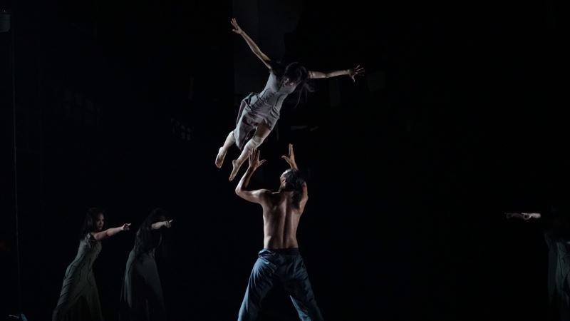 劉鳳學舞作中的動作強度高,體力消耗大,舞者多為體育系的學生。