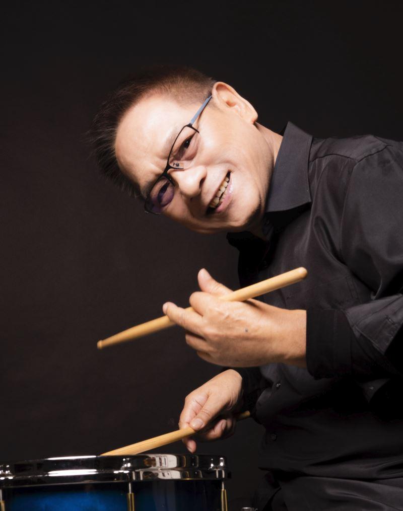 圖1-1:爵士金三角黃瑞豐(爵士鼓)、金木義則(貝斯)、許郁瑛(鋼琴),將帶來由臺灣歌謠改編的爵士樂。