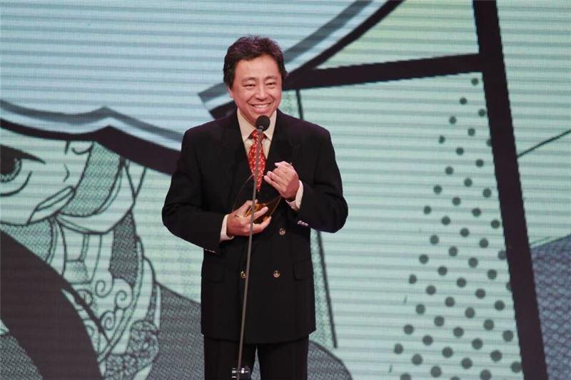 20150804周顯宗以「神氣活現 御靈仙」獲兒童漫畫獎
