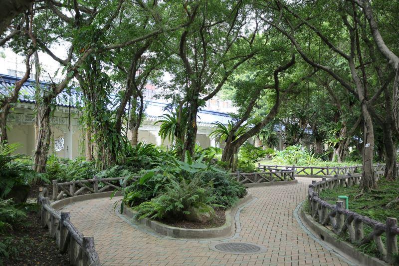 熱帶雨林園區(戶外教學園地)