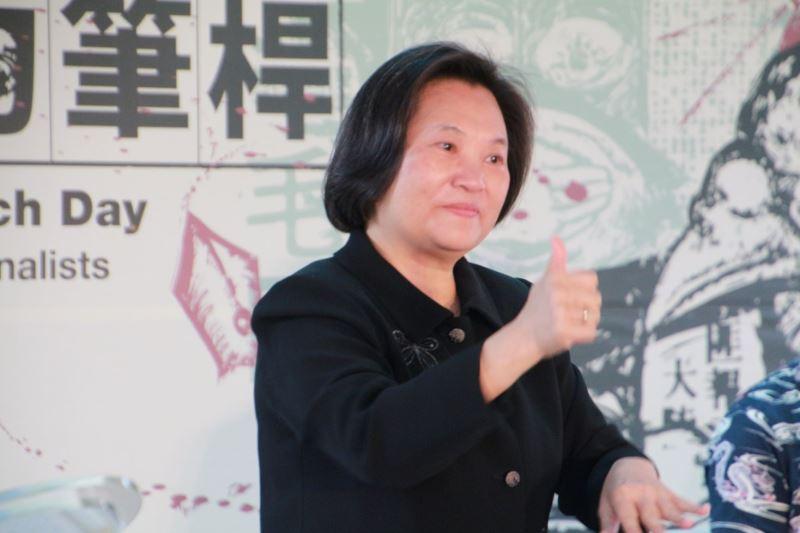 圖1__人權館舉辦臺灣手語服務培訓課程,邀請國內資深手語研究者聽人丁立芬老師擔任課程主講人