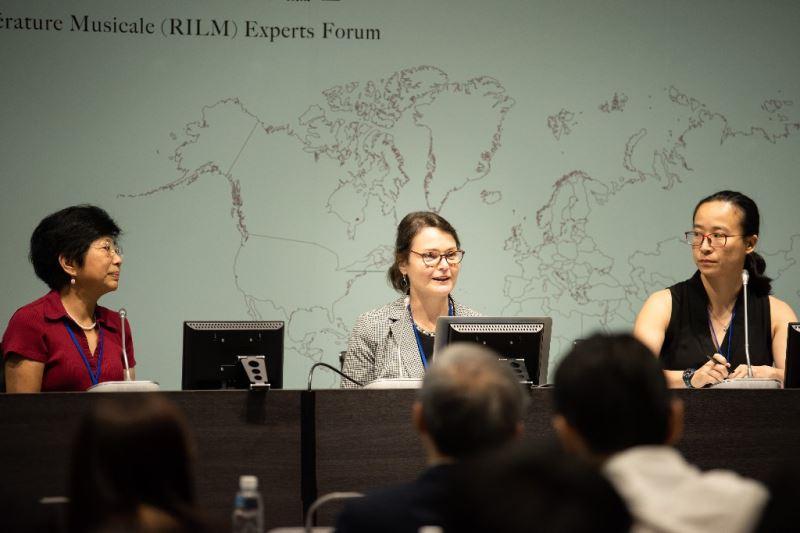 1025 左起為美國國會圖書館資深檔案研究員葉娜、IAML前會長及RILM主席Barbara_Mackenzie、RILM編輯樊昀