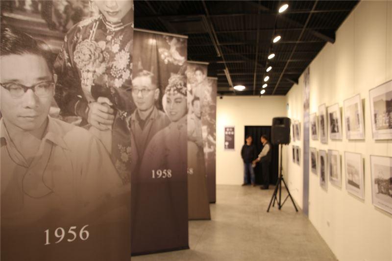 白克導演的一生特展現場以巨幅布幔重現當年台語電影拍攝現場