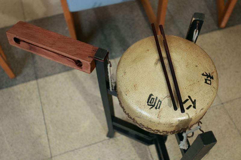 學習北管樂器,幾乎需要所有的樂器通通都精通,對學生來說不是一件容易的事。