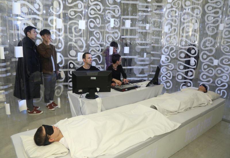 澳洲藝術家PluginHUMAN〈夢境2‧2〉表演 (2)