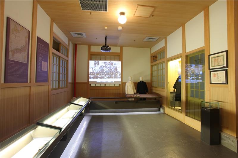 派出所內所主要展示與介紹日本時代的重要政策及文物,象徵著派出所在日本統治網絡中的重要性。
