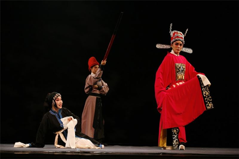 《王魁負桂英》演出照片(2008)。(廖瓊枝飾焦桂英)