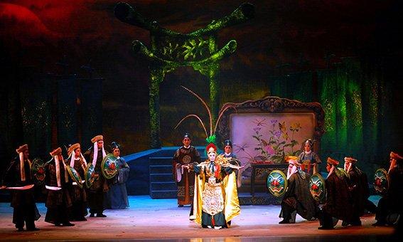 """A scene in """" Lotus Lady Fairy- He XianGu """".( Sun Cui-feng as Zhang Si- lang、Li Zhi、He Xian-ren、An Lu-shan、Yang Gui-fei、He Xian-gu)(2006)"""