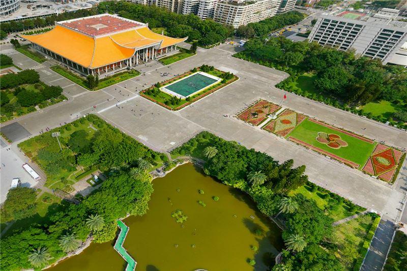 國父紀念館全景(噴水池、翠湖、中山公園)