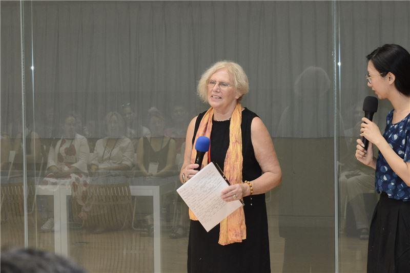 策展人-法國Jan Fairbairn-Edwards代表致詞