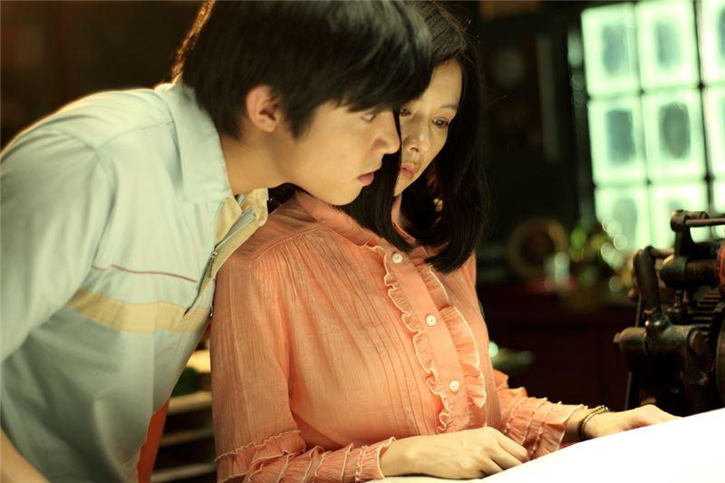 緊跟著《海角七號》(2008)與《艋舺》(2010)的國片復甦,這部三段式電影令人想起台灣新電影之初《光陰的故事》(1982)與《兒子的大玩偶》(1983)。製片以莎翁「羅密歐與茱麗葉」命題作文,讓風格與關懷殊異的三位導演,塑造了各自的台灣版本茱麗葉。