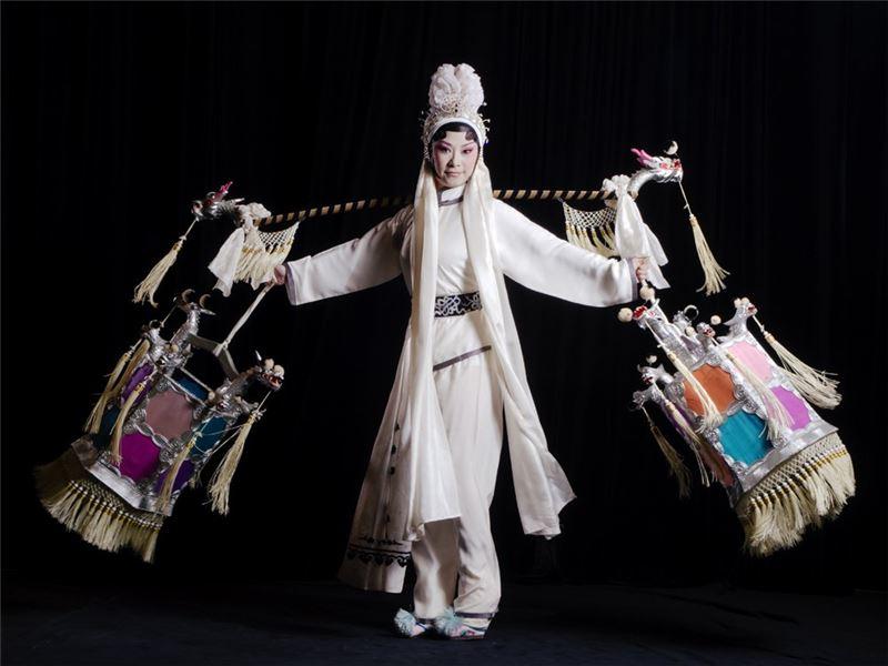 《闇河渡》演出照片(2013)。(朱民玲飾李桂蓮)