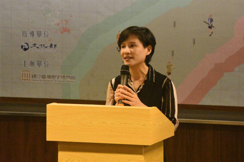 文化部長鄭麗君認為世界的知識體系是從地方開始的,期盼透過博物館將民間與政府的力量結合在一起
