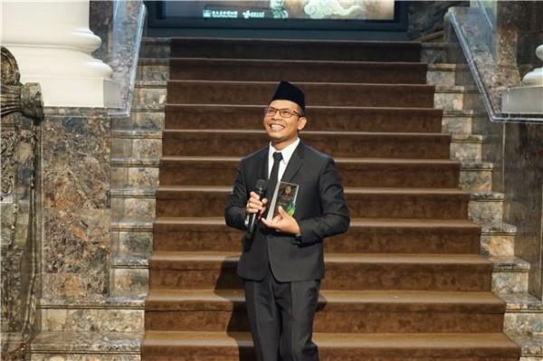 Grand Prize winner Justto Lasoo.