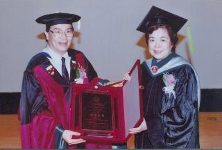 趙可式獲頒教學特優教師
