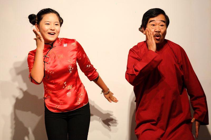 和小朋友一起演出,為傳統說唱藝術注入新血。
