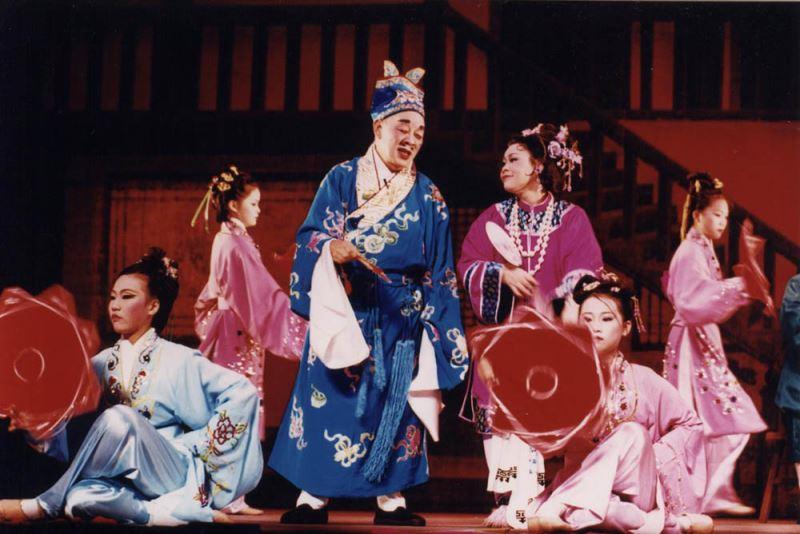 《緣訂三生》演出照片(2002)。(曾先枝飾王明袞)