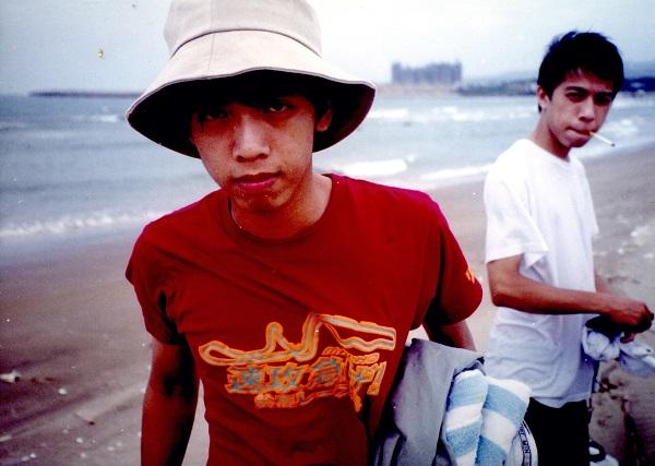 「我在鏡頭裡充滿憐愛地看著這群美麗的性異議小王子們。由於他們的勇敢發聲,在台北城的各個同志情慾地景,留下的不再是文本虛構的,不再是學術偷渡的,而是他們用真實生命詮釋的,同志族裔田野史上難得的,青春活力的一頁。」──陳俊志