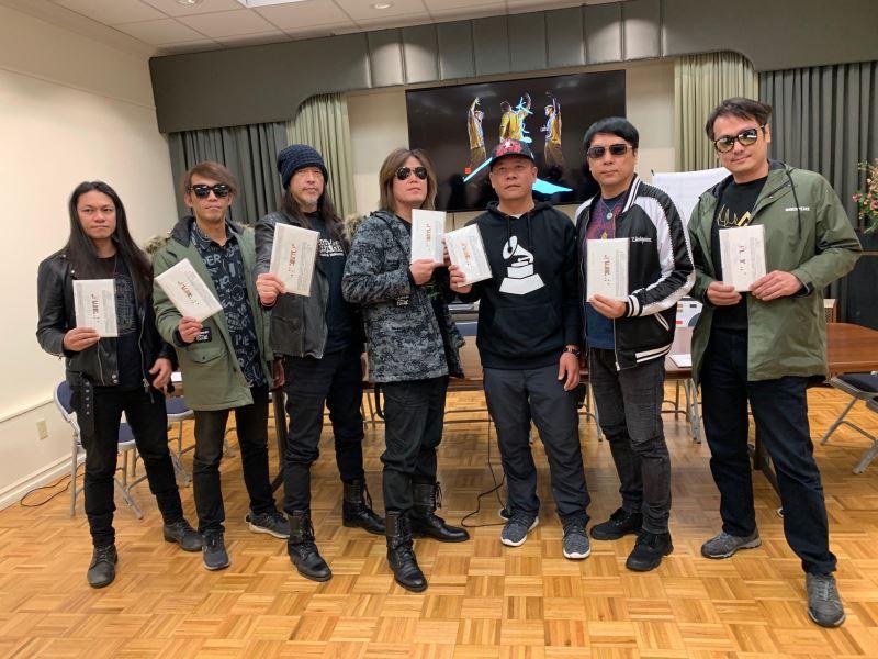 葛萊美獎專輯包裝設計入圍者蕭青陽與董事長樂團在洛杉磯舉行入圍宣傳記者會。