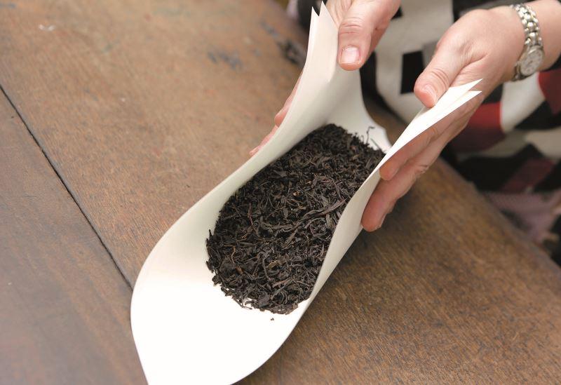 包茶製作過程2。