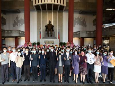 """Director-general of National Dr. Sun Yat-sen Memorial Hall, Wang Lan-sheng, led all staff to attend the event of """"Dr. Sun Yat-sen's 96th Death Anniversary."""""""
