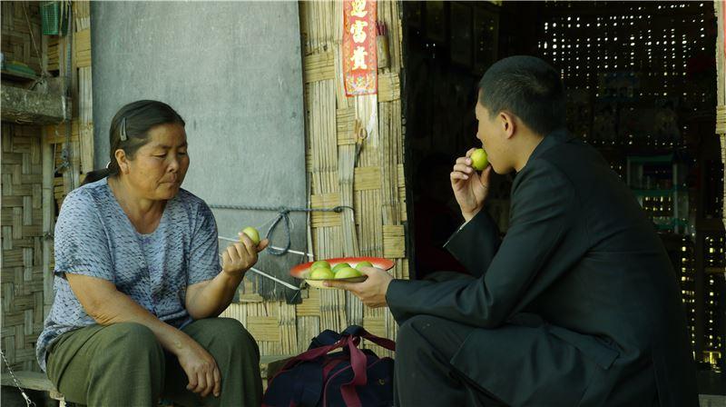 拍攝期間,緬甸剛選完總統,對外媒有諸多限制,
