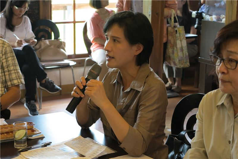 文化部長鄭麗君於虎尾驛站針對文資議題致詞