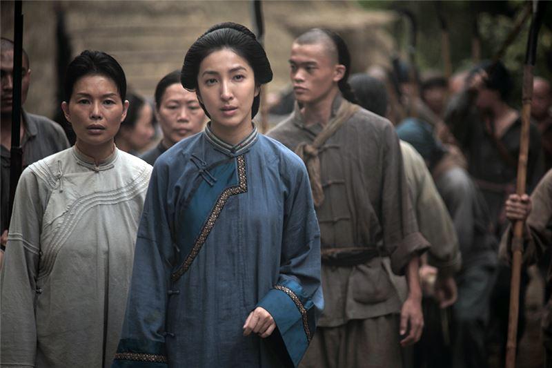 本片以年代作為片名,明示了書寫台灣史的企圖,尤其,1895正是日本政府在台灣確立了殖民政權的重要年份。然而,台灣與日本之間的複雜關係,始終爭議不斷,難以再用善惡二元對立呈現。
