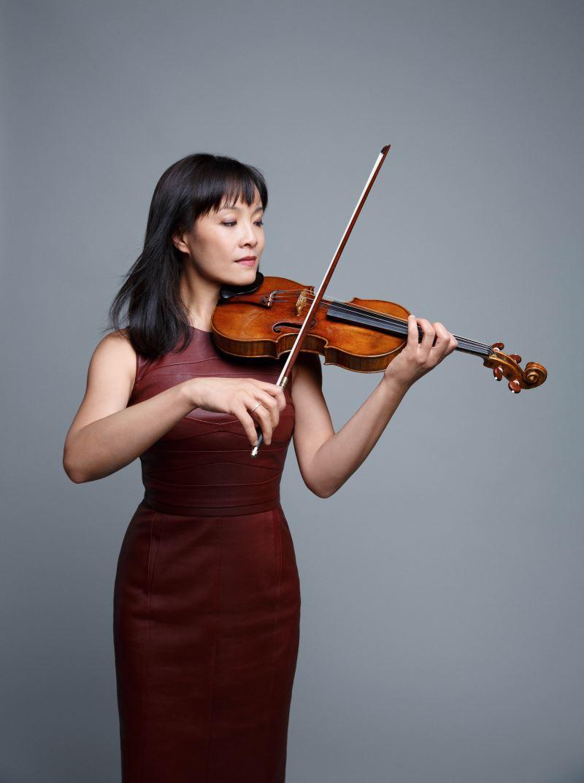 小提琴獨奏/王崢嶸Mira Wang(photo©www.peterrigaud.com)
