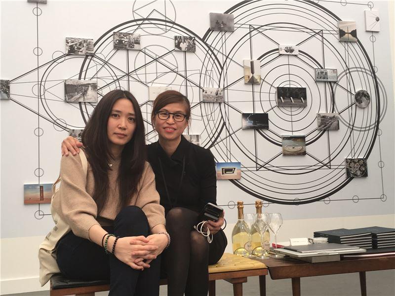 Taiwan artist Chen Yin-ju (left) and gallery director Huang Chi-wen.