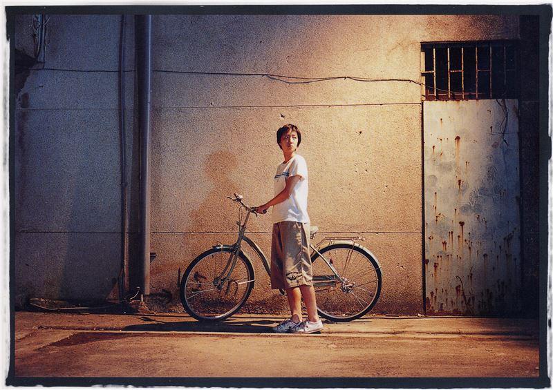 風格清新唯美,簡單的影像語言,傳達出青少年時而陰鬱糾結、時而陽光燦爛的情緒,為台灣電影開啟一扇青春大門。