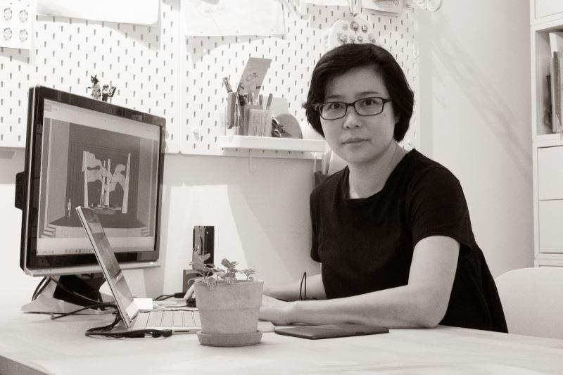 陳瓊珠雖非戲劇科系出身,但對劇場的熱情使她在畢業後前往國外攻讀舞台設計,並擔任多齣戲劇的舞台設計。