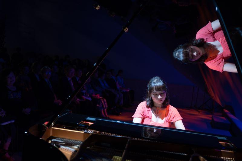 鋼琴家楊芷蘅於記者會演出