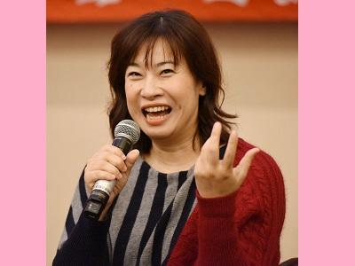 漢聲廣播電臺主持人余秀芷於國父紀念館「逆風,更要勇敢飛翔」文化講座中演講.