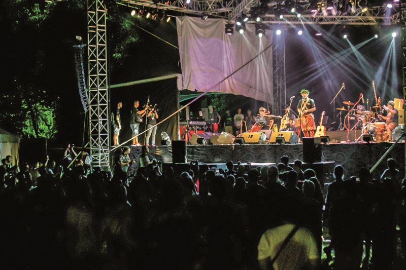 卑南歌手桑布伊Sangpuy受邀參與2018年表演藝術博覽會。