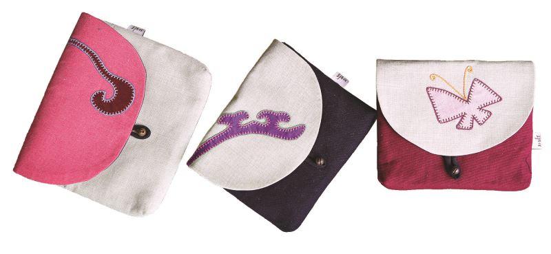 左至右分別為祥雲、觸角、蝴蝶三系列的重要圖騰。