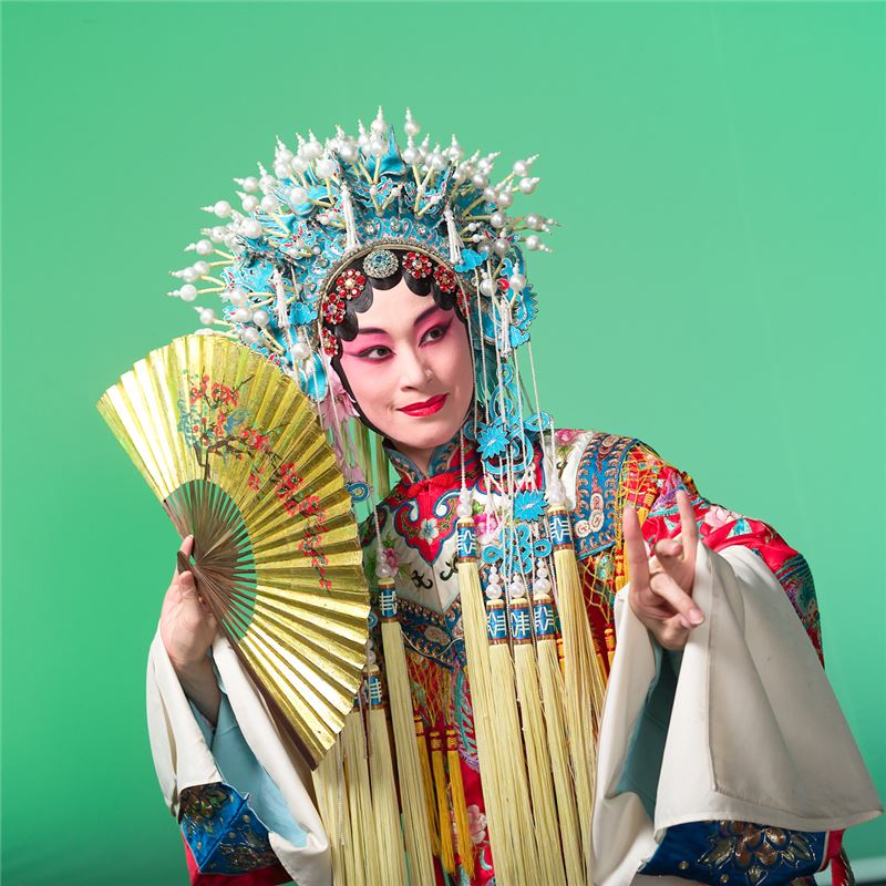 103年【演員身段培訓自動化教學系統】以經典劇目《貴妃醉酒》作為製作對象。
