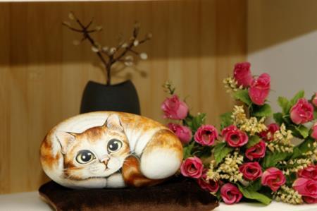 2F進駐工坊作品-貓咪石頭彩繪